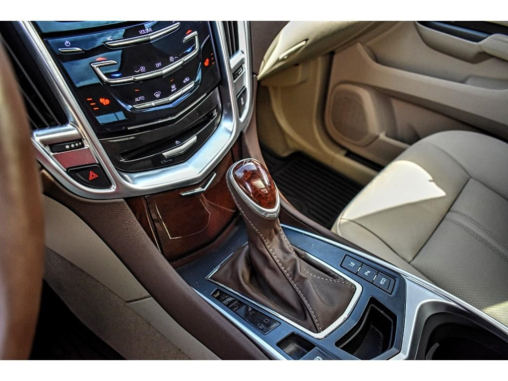 2016 Cadillac SRX Performance Collection /
