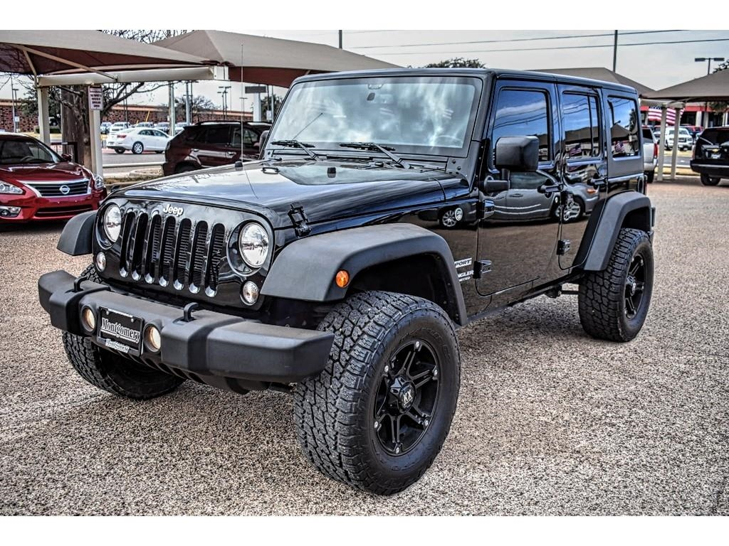 2016 Jeep Wrangler Unlimited Sport /