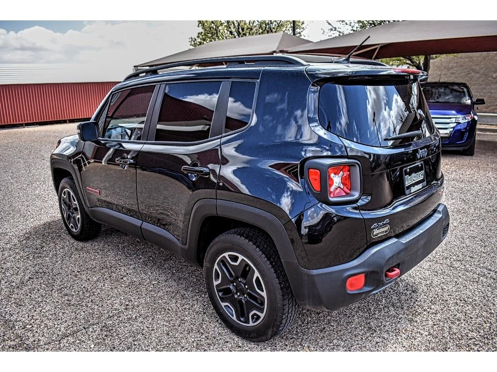 2016 Jeep Renegade Trailhawk /